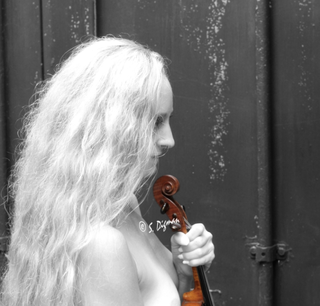 blondeviolinSigned